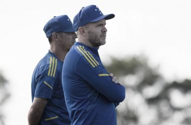 Com problemas defensivos, Cruzeiro visita Brasil de Pelotas em busca de estabilidade na Série B