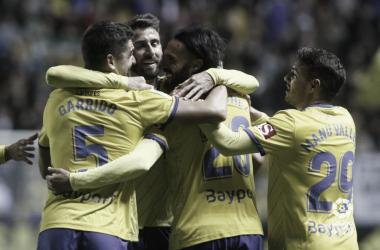 Los jugadores del Cádiz celebran uno de los tantos del encuentro | laliga.es