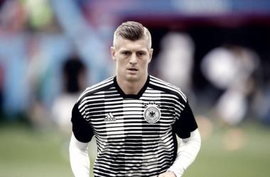 Kroos calienta antes del partido frente a Corea del Sur | Foto: FIFA.com
