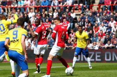 Eredivisie al cardiopalma: Ajax e PSV vincono ancora, si delineano le prime posizioni per l'Europa