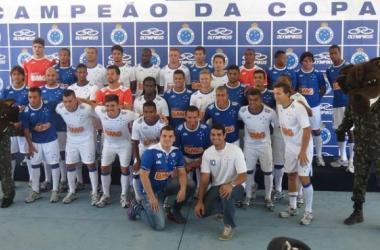 Cruzeiro lança uniforme oficial para a Copa Libertadores