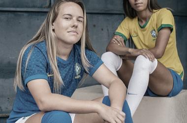 Andressinha e Adriana com a nova camisa. Foto: Divulgação/Nike