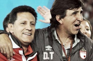 Foto: Gustavo Costas campeón con Independiente Santa Fe Liga Postobón 2014-II.