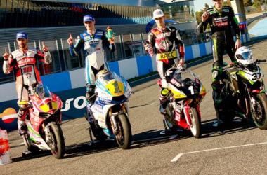 De izquierda a derecha, los campeones; Xavi Forés, Román Ramos, Fabio Quartararo y Alexander Mateos(Kawasaki Z Cup) Foto: www.soymotero.net
