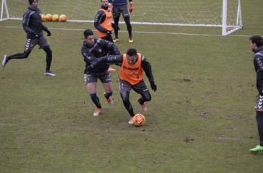 El Real Valladolid entrena en dos grupos