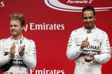 Lewis Hamilton levou a melhor no Canadá (foto: AFP)