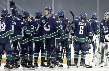 Los Canucks mantienen 14 jugadores bajo el protocolo de COVID de la NHL