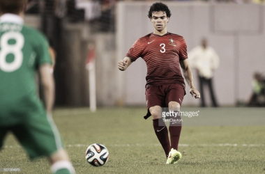 Pepe é um dos centrais escolhidos por Fernando Santos para o Euro 2016