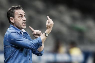 O treinador luso ruma agora à Grécia // Foto:90min.com