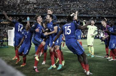 A França celebrou na passada quinta-feira a passagem à Final do Euro 2016 // Foto: theguardian.com