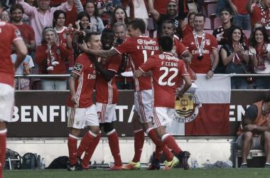 Benfica vs Feirense: Quatro, mas revertidos, na semana azul