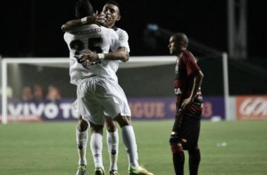 Em jogo de tirar o fôlego, Vitória e Atlético-PR empatam em Pituaçu
