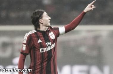 """Montolivo ressalta luta do Milan para retornar à Champions: """"Desafio é contra nós mesmos"""""""