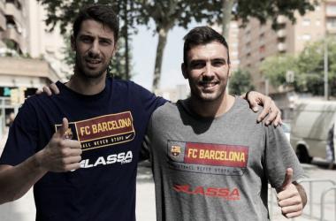 Ambos capitanes posan ante la cámara | foto: FC Bacelona