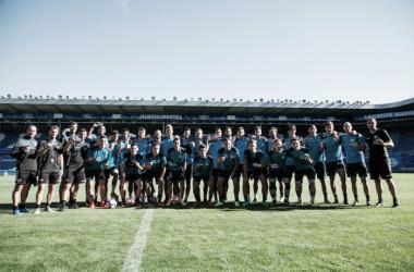 La plantilla del Deportivo Alavés de la temporada 2016/17 en Mendizorroza. Imagen: Deportivo Alavés