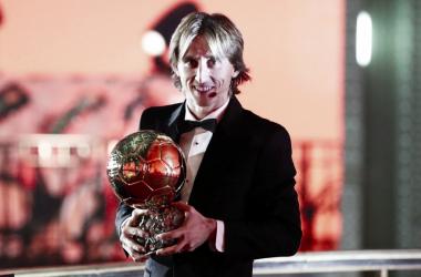 Luka Modric con el Balón de Oro. Foto: Real Madrid.