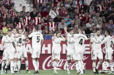 El Real Madrid celebrando un tanto en Montilivi. Foto: Liga Santander.