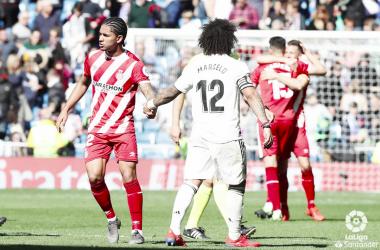 Marcelo felicita al rival en la derrota de los blancos. Foto: Liga Santander