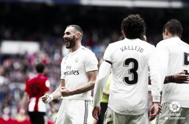 Benzema celebrando uno de sus goles ante el Athletic. Foto: Liga Santander.