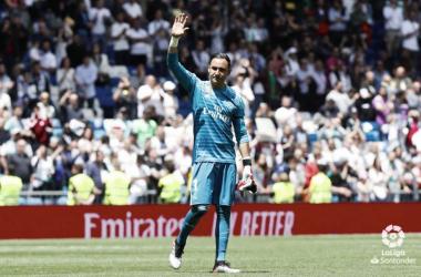 Keylor Navas agradece al Bernabéu los aplausos. Foto: Liga Santander.