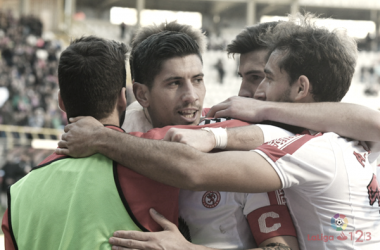Jugadores de la Cultural y Deportiva Leonesa celebrando un gol | Fotografía: La Liga.