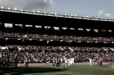 Una de las jugadas durante un encuentro en el Estadio de Vallecas | Fotografía: La Liga