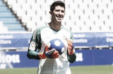 Nereo Champagne en el dia de su presentacion con la camiseta del Real Oviedo. Foto: realoviedo.com
