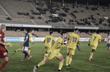 Momento en el que Sergio transforma el penalti. Fotografía: Cádiz cf