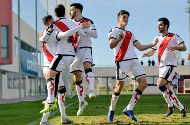 Jugadores del Rayo Vallecano B celebrando un gol | Fotografía: Rayo Vallecano S.A.D.