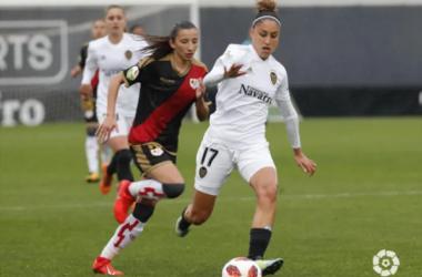 Sheila García tras un balón | Fotografía: La Liga