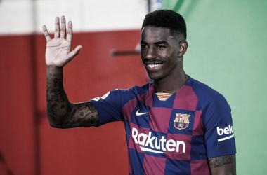 Junior Firpo saludando | Fotografía: FC Barcelona