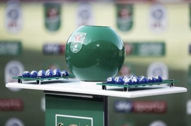 Após sorteio, jogos da terceira fase da Copa da Liga Inglesa estão definidos; confira os confrontos