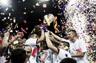 Caracas Futsal Club celebrando el título. LSFV.