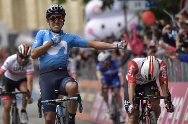 Carapaz vince sul traguardo di Frascati&nbsp; Fonte foto: Profilo Twitter Giro d'Italia<div><br><div><br></div></div>