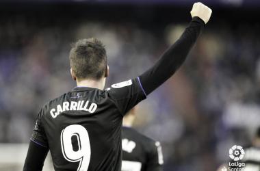 Guido Carrillo celebra uno de sus dos goles en Zorrilla // FUENTE: La Liga Santander
