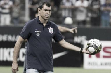 Carille cita erro individual após derrota e minimiza decisão contra Grêmio