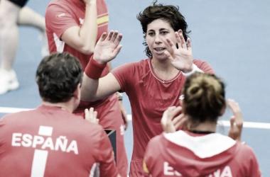 Carla Suárez celebra una victoria con el equipo español de Copa Federación este fin de semana. Foto: getttyimages.es