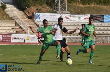 Acción del Unionistas - Real Sociedad B disputado en Las Pistas. Foto: José Luis Cotobal