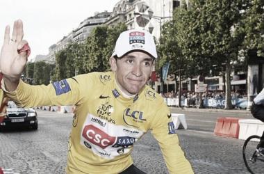 Lance Armstrong revela que volvió al ciclismo al ver ganar el Tour de Francia a Carlos Sastre