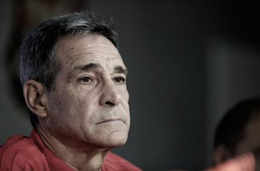 """Carpegiani considera demissões """"precipitadas"""" e revela que Fla já sabia da saída de Rueda"""