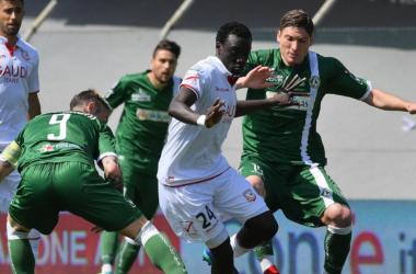 Serie B: pareggio inutile al Cabassi, Carpi e Avellino annegano nella mediocrità