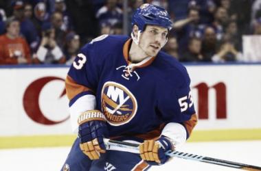 Casey Cizikas renueva con New York Islanders