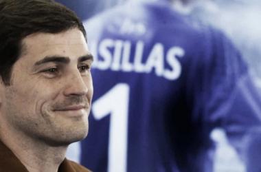 Casillas deve ficar no FC Porto (foto: record.pt)