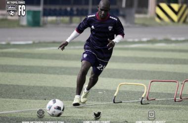 Cásseres entrenando a las ordenes de Rafael Santana. Foto: Prensa Metropolitanos FC