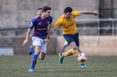 U.E Castelldefels - Montañesa C.F: descenso y ascenso en juego