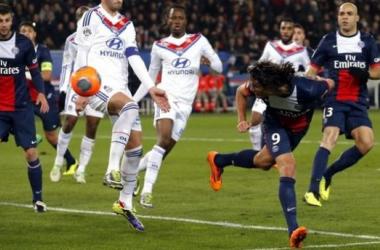 El PSG golea para seguir líder