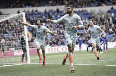 Loftus-Cheek comemorando o gol da virada dos Blues (Foto: Reprodução/Instagram Chelsea)