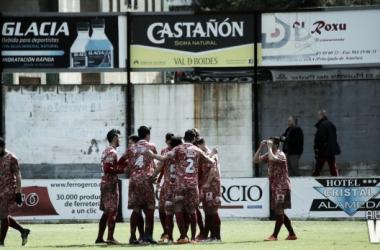 Fotos e imágenes del CD Lealtad - CD Guijuelo; 28ª jornada del Grupo I de Segunda División B
