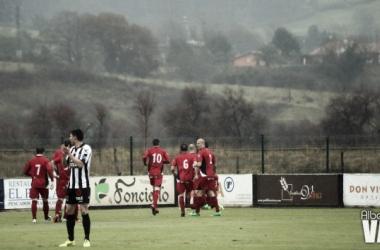 Fotos e imágenes del CD Lealtad - CD Tudelano; 30ª jornada del Grupo I de Segunda División B