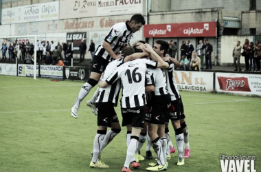 Fotos e imágenes del CD Lealtad - CP Cacereño, 10ª jornada del Grupo I de Segunda División B